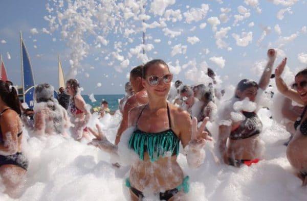 Пляжные вечеринки в Коньяалты Beach Park