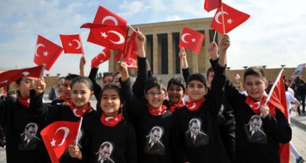 День независимости и детей (Çocuk Bayramı)