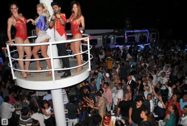Вечеринка в Эгейском море илиCatamaranClub
