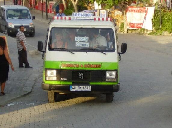 Dolmuş («долмуш») по маршруту «Бодрум — Гюмбет