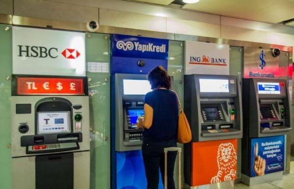 Банкоматы в Турции встречаются на каждом шагу