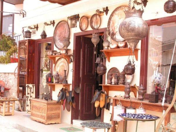 Питание и покупки в Калкане и Каше
