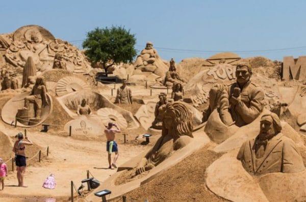Международный фестиваль скульптур из песка в Анталии