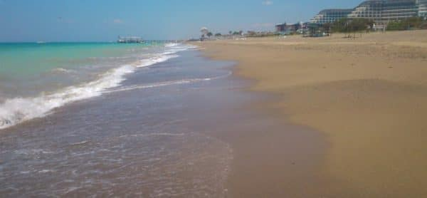Пляж поселка Кизилот