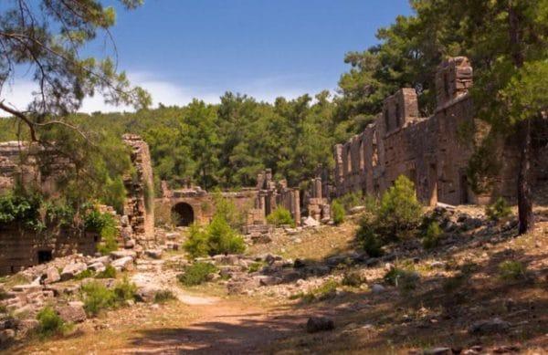 Руины города Селевкия