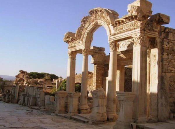 Храм Артемиды в Сиде