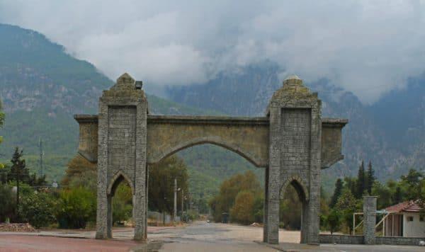 «Старинные» ворота бельдиби