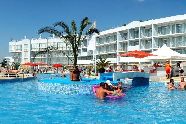 Почему болеют на турецких курортах