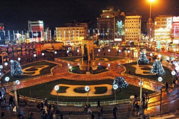 Плюсы и минусы Нового Года в Стамбуле