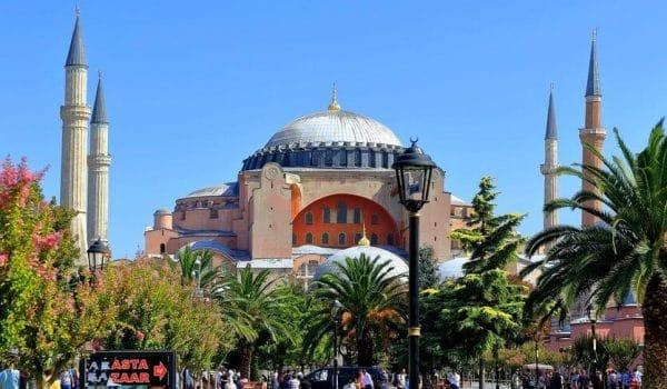 Главные причины, почему стоит лететь в Турцию на отдых