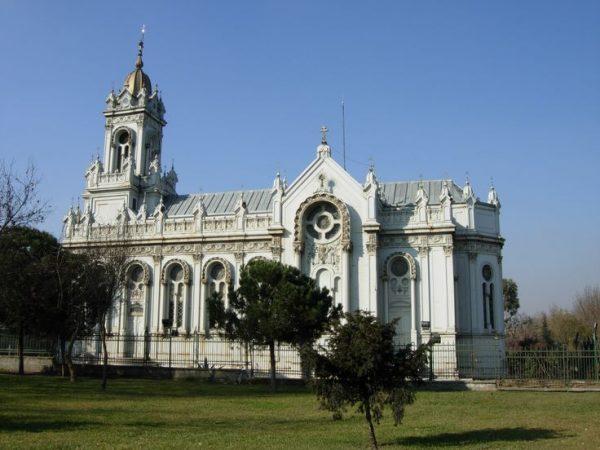 Болгарская церковь Святого Стефана (Bulgar Kilisesi)