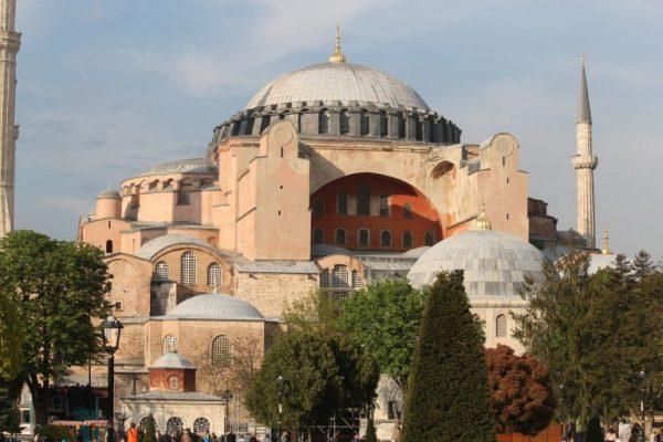 Мечеть Айя-София (Aya Sofia Cami).