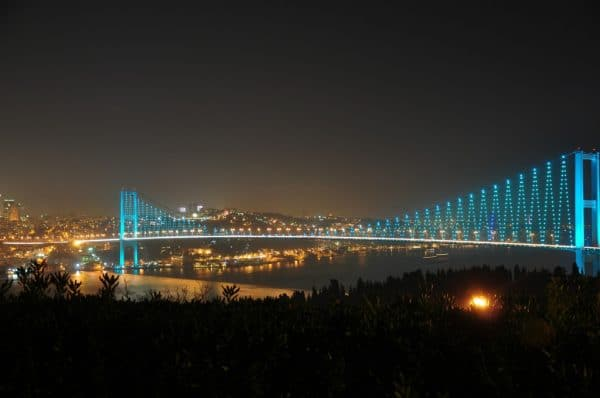 Босфорский мост ночью - Стамбул.