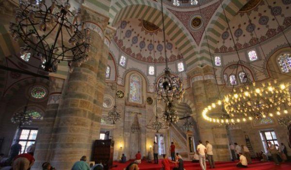 Мечеть Михримах Султан в Ускюдаре: внутреннее убранство
