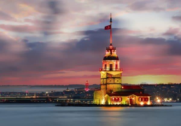Девичья башня: время посещения и стоимость