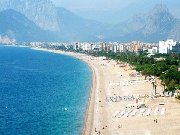 Температура воды: можно ли купаться в Турции в апреле