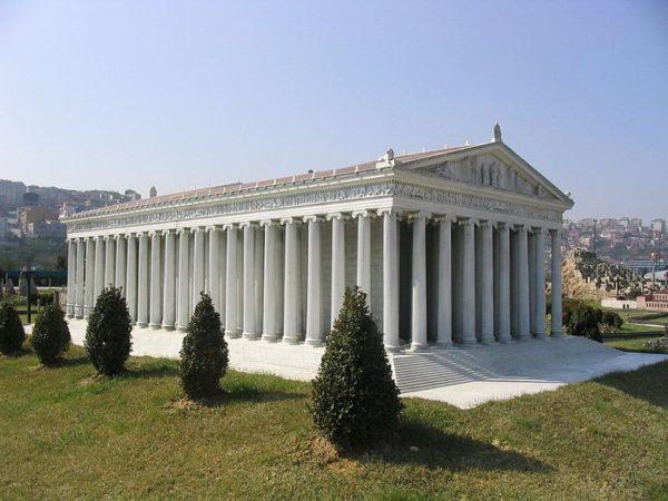 Модель храма в парке Миниатюрк