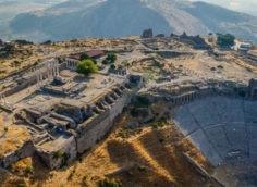 Пергам — живое доказательство существования древних римлян, сельджуков и Османов